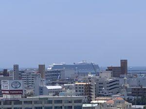 大型クルーズ船